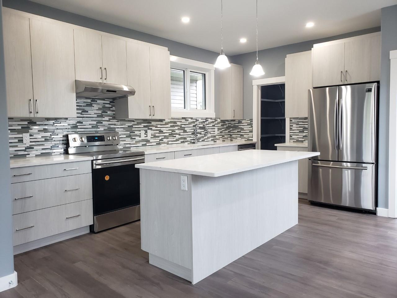 Main Photo: 9324 153 Street in Edmonton: Zone 22 House for sale : MLS®# E4162254