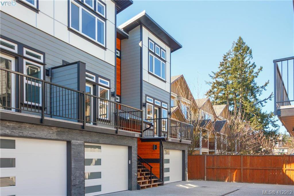 Main Photo: 105 817 Arncote Avenue in VICTORIA: La Langford Proper Row/Townhouse for sale (Langford)  : MLS®# 412912