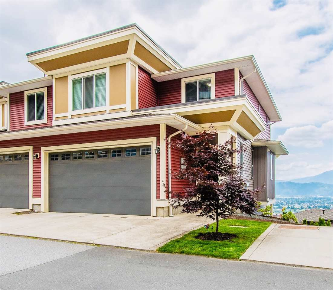 """Main Photo: 25 6026 LINDEMAN Street in Sardis: Promontory Townhouse for sale in """"HILLCREST"""" : MLS®# R2388467"""