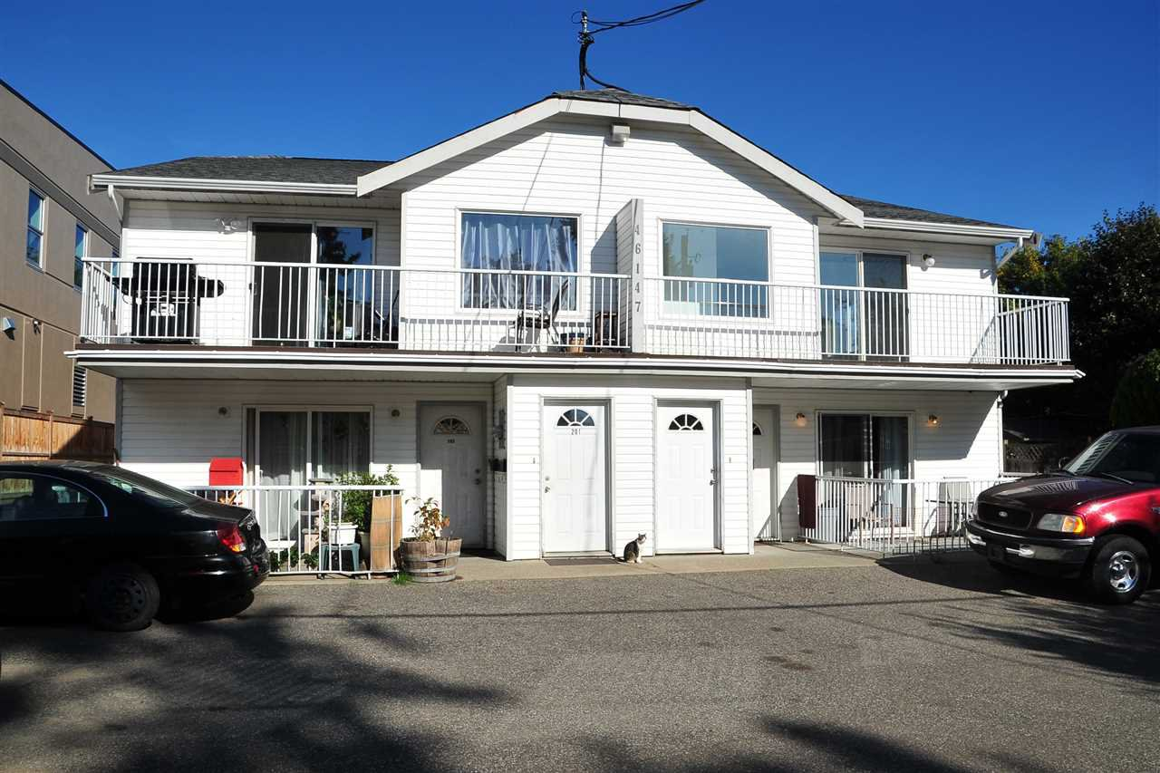 Main Photo: 46147 PRINCESS Avenue in Chilliwack: Chilliwack E Young-Yale House Fourplex for sale : MLS®# R2413105