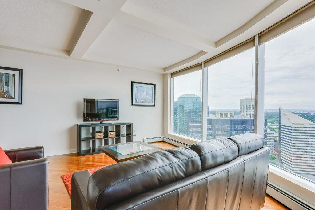 Main Photo: 3203 10152 104 Street in Edmonton: Zone 12 Condo for sale : MLS®# E4186838