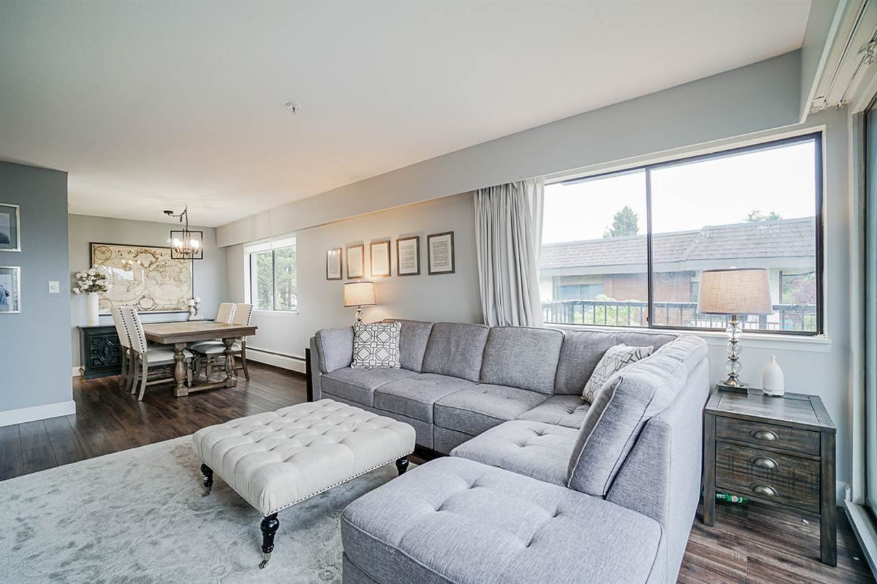 Main Photo: 301 120 E 5TH STREET in North Vancouver: Lower Lonsdale Condo for sale : MLS®# R2462061