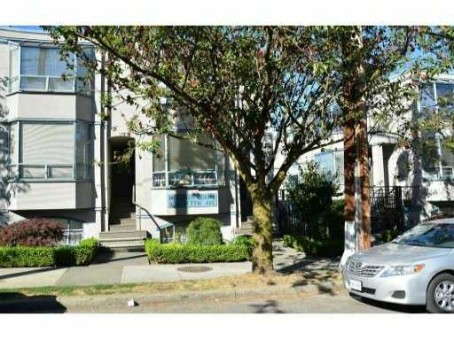 "Main Photo: 14 939 W 7TH Avenue in Vancouver: Fairview VW Townhouse for sale in ""MERIDIAN COURT"" (Vancouver West)  : MLS®# V908092"