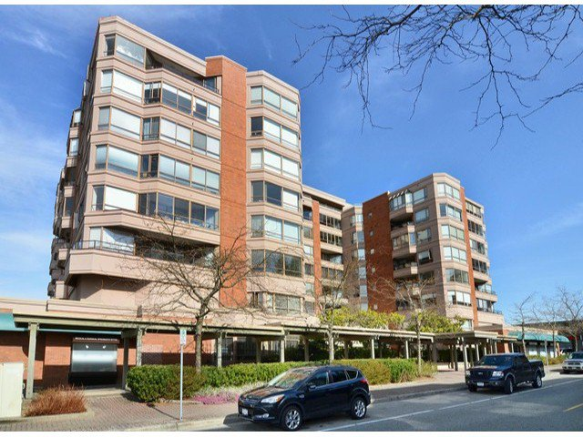 """Main Photo: 709 15111 RUSSELL Avenue: White Rock Condo for sale in """"PACIFIC TERRACE"""" (South Surrey White Rock)  : MLS®# F1405374"""
