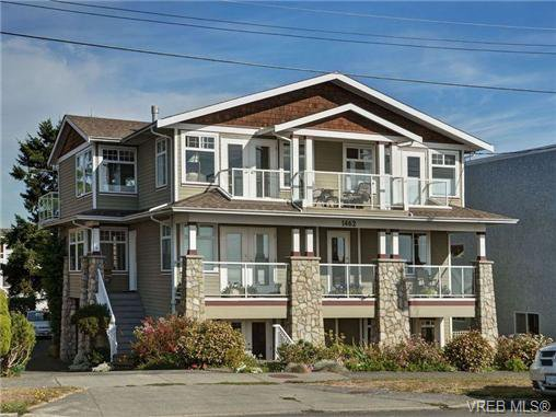 Main Photo: B 1462 Dallas Rd in VICTORIA: Vi Fairfield East Condo Apartment for sale (Victoria)  : MLS®# 711128