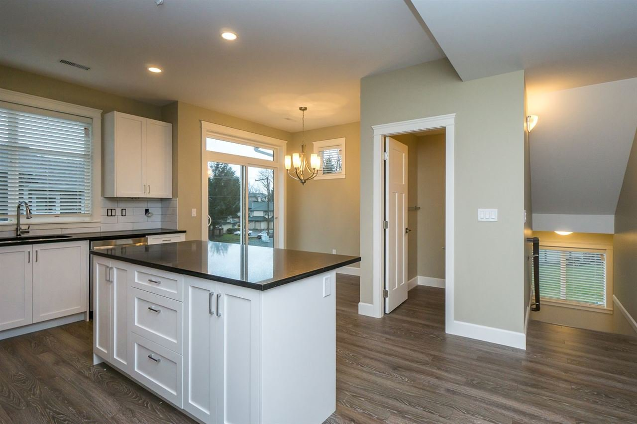 """Photo 3: Photos: 22 32921 14 Avenue in Mission: Mission BC Townhouse for sale in """"Southwynd"""" : MLS®# R2055556"""