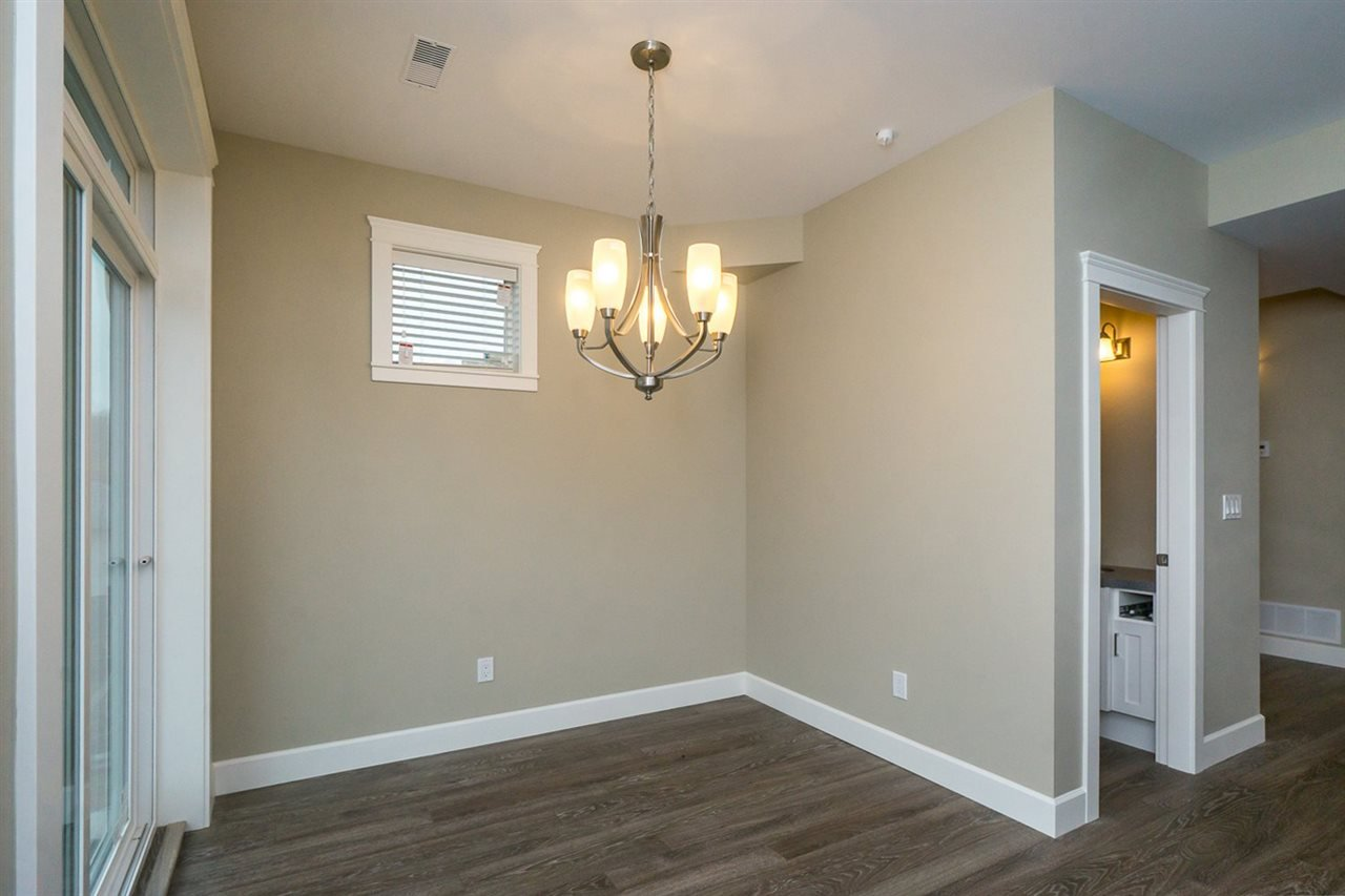 """Photo 4: Photos: 22 32921 14 Avenue in Mission: Mission BC Townhouse for sale in """"Southwynd"""" : MLS®# R2055556"""