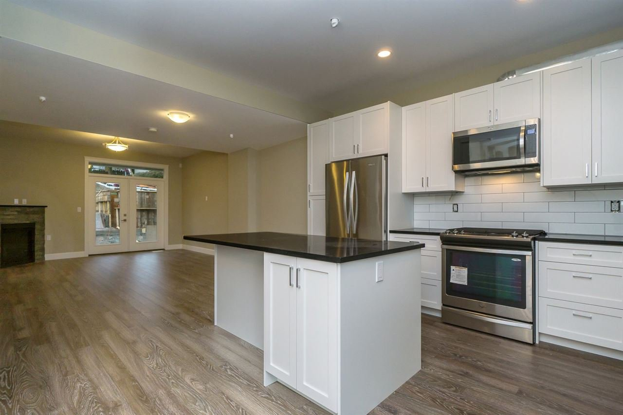 """Photo 5: Photos: 22 32921 14 Avenue in Mission: Mission BC Townhouse for sale in """"Southwynd"""" : MLS®# R2055556"""
