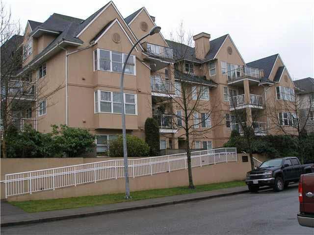"Main Photo: 201 1558 GRANT Avenue in Port Coquitlam: Glenwood PQ Condo for sale in ""GRANT GARDENS"" : MLS®# R2078816"