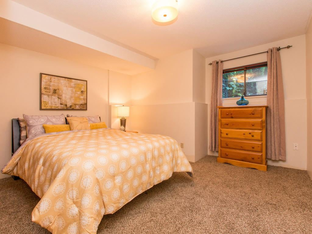 Photo 14: Photos: 3231 HUNTLEIGH Crescent in North Vancouver: Windsor Park NV House for sale : MLS®# R2093050