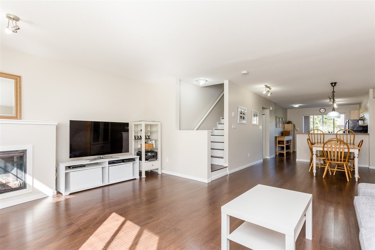 "Photo 8: Photos: 85 15155 62A Avenue in Surrey: Sullivan Station Townhouse for sale in ""Oaklands"" : MLS®# R2107813"