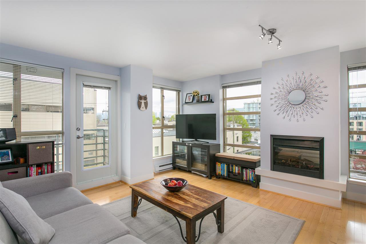 "Main Photo: 606 2137 W 10TH Avenue in Vancouver: Kitsilano Condo for sale in """"I"""" (Vancouver West)  : MLS®# R2159402"