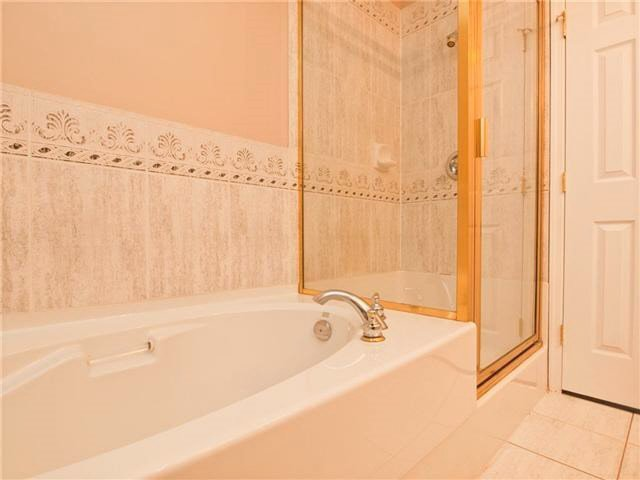 "Photo 10: Photos: 201 3176 PLATEAU Boulevard in Coquitlam: Westwood Plateau Condo for sale in ""THE TUSCANY"" : MLS®# R2184409"