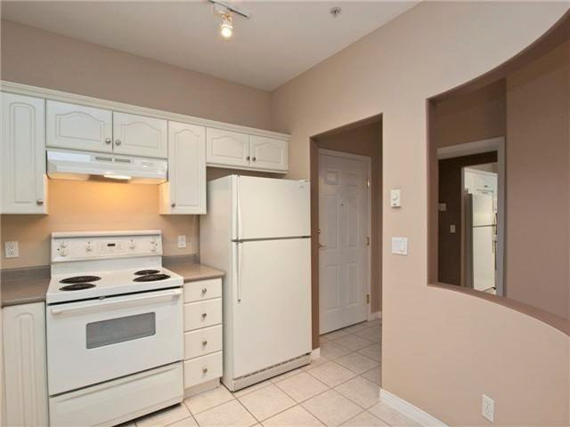"Photo 8: Photos: 201 3176 PLATEAU Boulevard in Coquitlam: Westwood Plateau Condo for sale in ""THE TUSCANY"" : MLS®# R2184409"