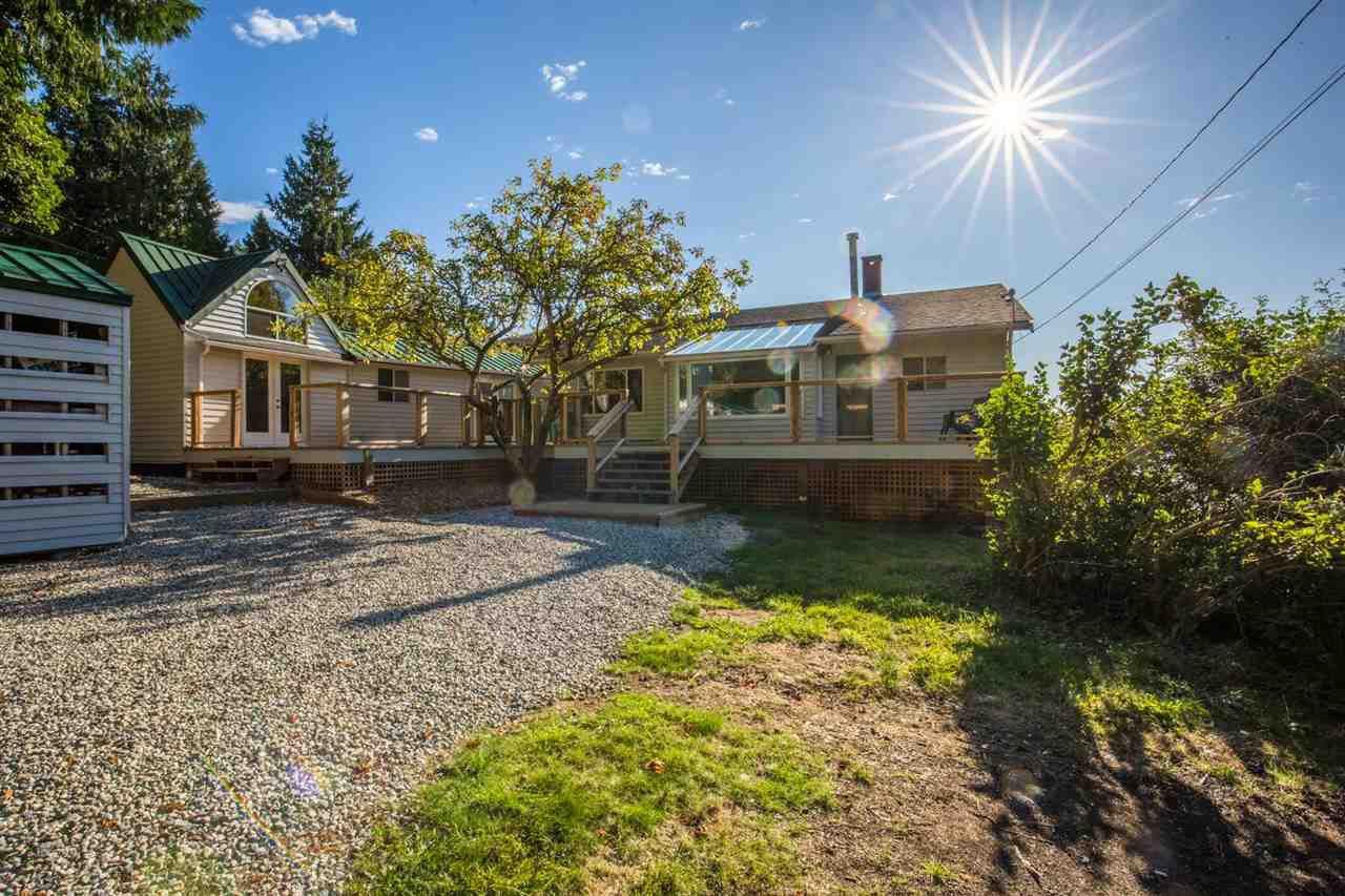 Photo 3: Photos: 5675 RUTHERFORD Road in Halfmoon Bay: Halfmn Bay Secret Cv Redroofs House for sale (Sunshine Coast)  : MLS®# R2207519