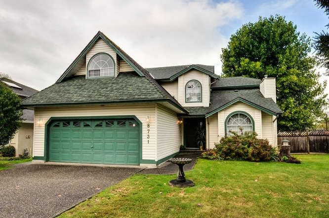 "Main Photo: 8731 140B Street in Surrey: Bear Creek Green Timbers House for sale in ""BROOKSIDE"" : MLS®# R2213009"