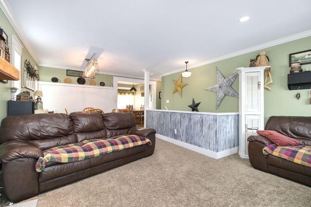 Photo 8: Photos: 22954 REID Avenue in Maple Ridge: East Central House for sale : MLS®# R2239408