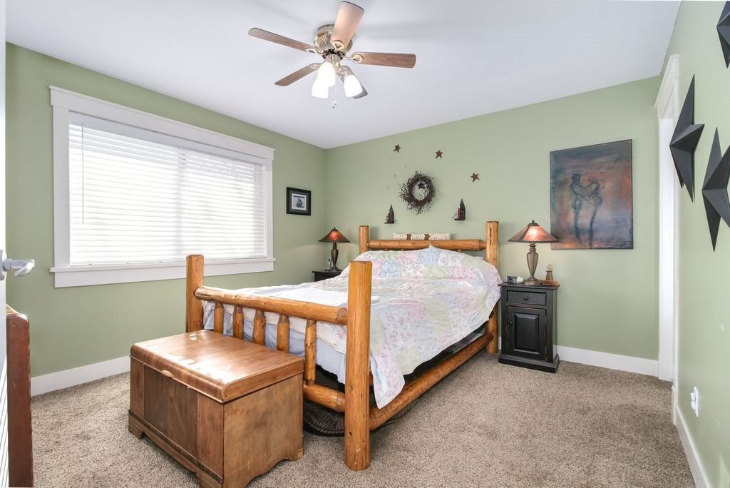 Photo 12: Photos: 22954 REID Avenue in Maple Ridge: East Central House for sale : MLS®# R2239408