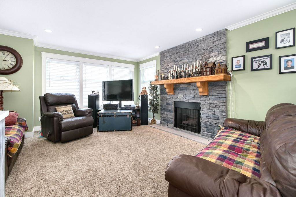 Photo 5: Photos: 22954 REID Avenue in Maple Ridge: East Central House for sale : MLS®# R2239408