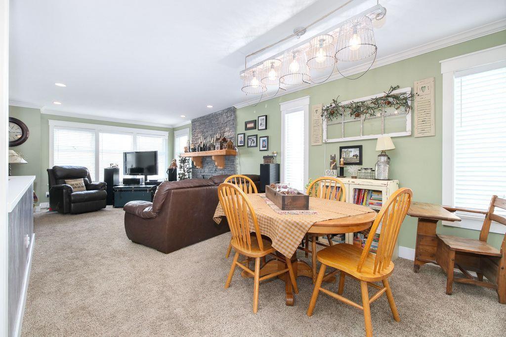 Photo 3: Photos: 22954 REID Avenue in Maple Ridge: East Central House for sale : MLS®# R2239408