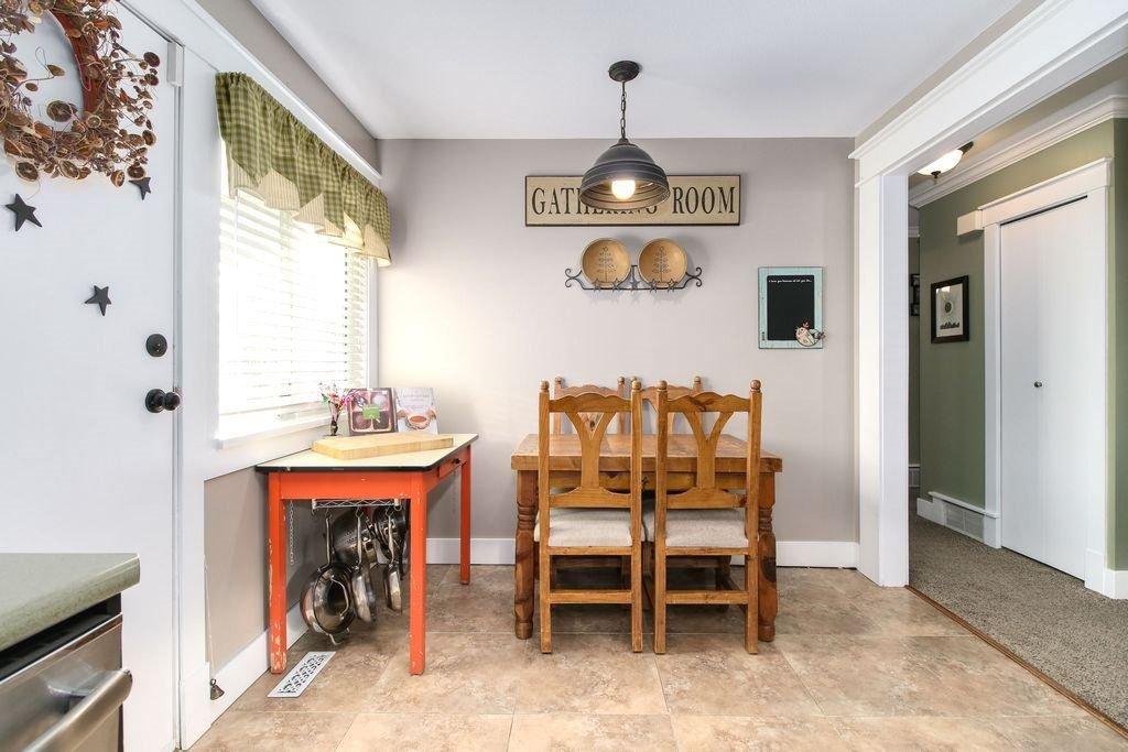 Photo 11: Photos: 22954 REID Avenue in Maple Ridge: East Central House for sale : MLS®# R2239408