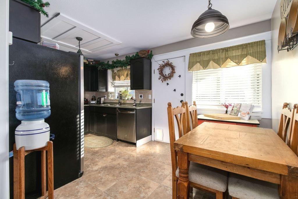 Photo 9: Photos: 22954 REID Avenue in Maple Ridge: East Central House for sale : MLS®# R2239408