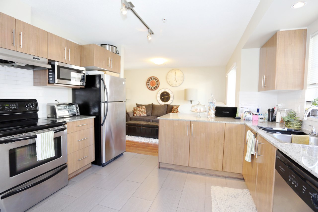 """Photo 3: Photos: 92 20038 70 Avenue in Langley: Willoughby Heights Townhouse for sale in """"Daybreak"""" : MLS®# R2239474"""
