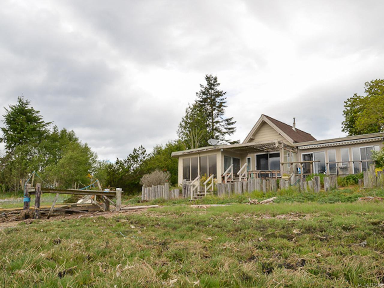 Main Photo: 5492 Deep Bay Dr in BOWSER: PQ Bowser/Deep Bay House for sale (Parksville/Qualicum)  : MLS®# 779195