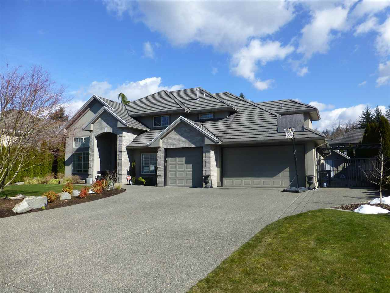 "Main Photo: 2132 139A Street in Surrey: Elgin Chantrell House for sale in ""CHANTRELL PARK ESTATES"" (South Surrey White Rock)  : MLS®# R2245345"