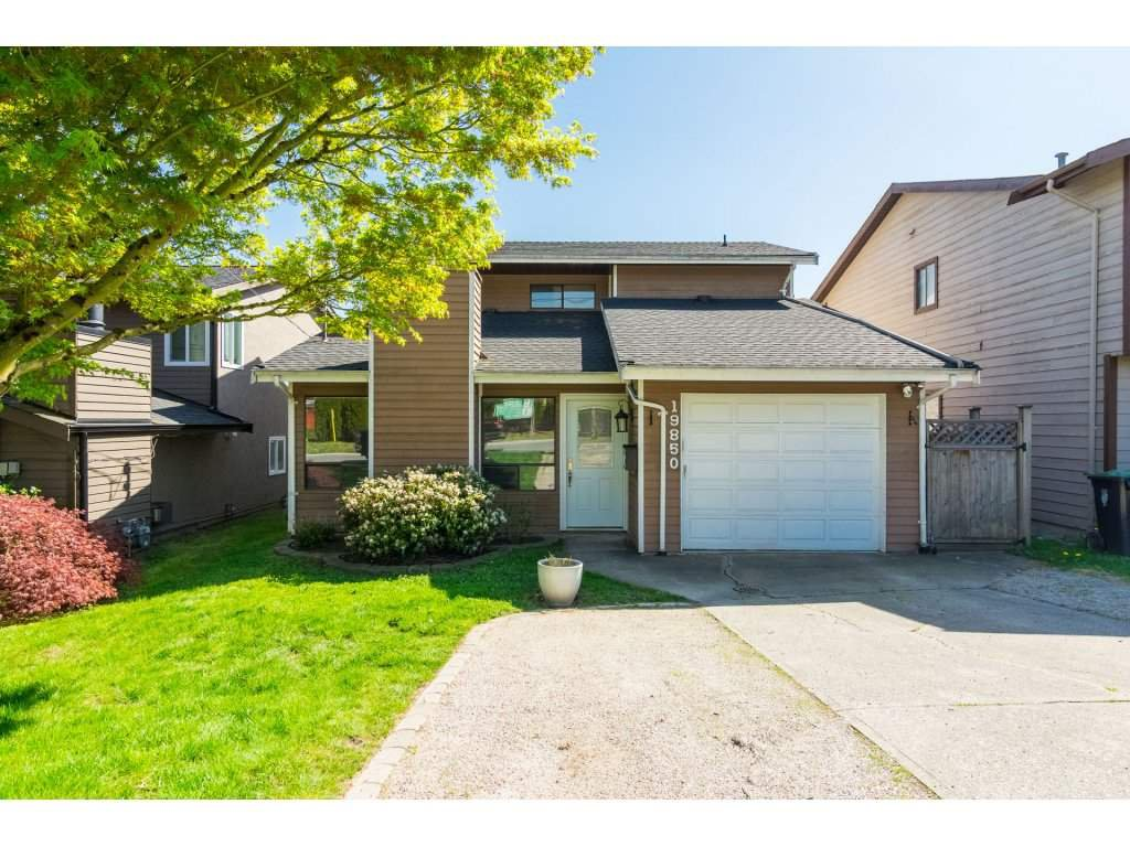 Main Photo: 19850 68 Avenue in Langley: Willoughby Heights House for sale : MLS®# R2260931