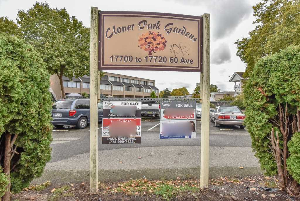 "Main Photo: 98 17718 60 Avenue in Surrey: Cloverdale BC Townhouse for sale in ""Clover Park Gardens"" (Cloverdale)  : MLS®# R2339637"