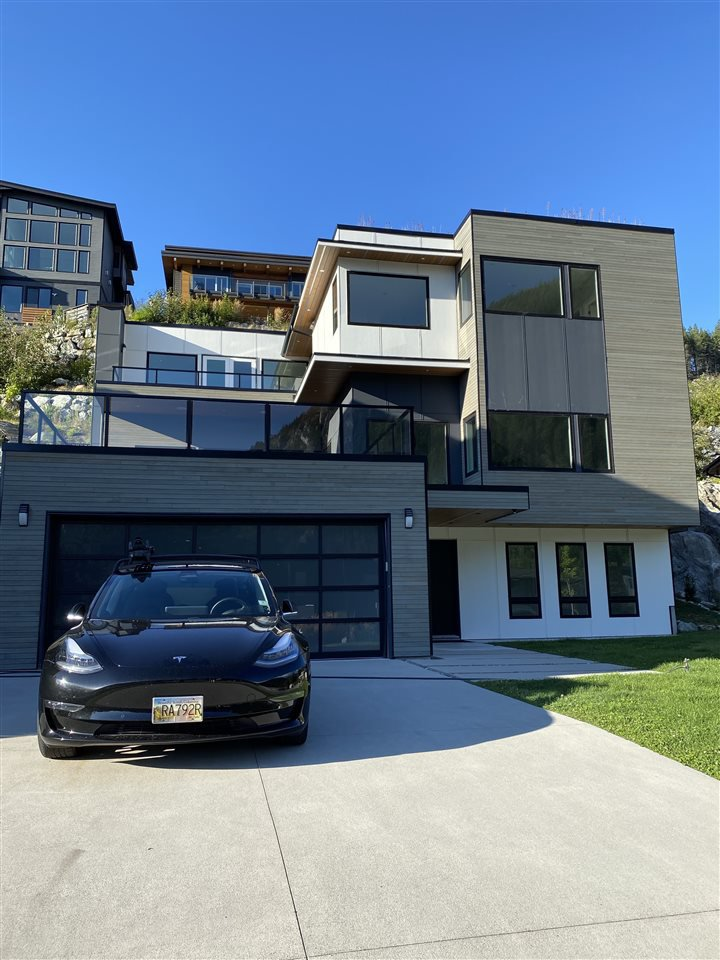 Main Photo: 2249 WINDSAIL Place in Squamish: Plateau House for sale : MLS®# R2490653