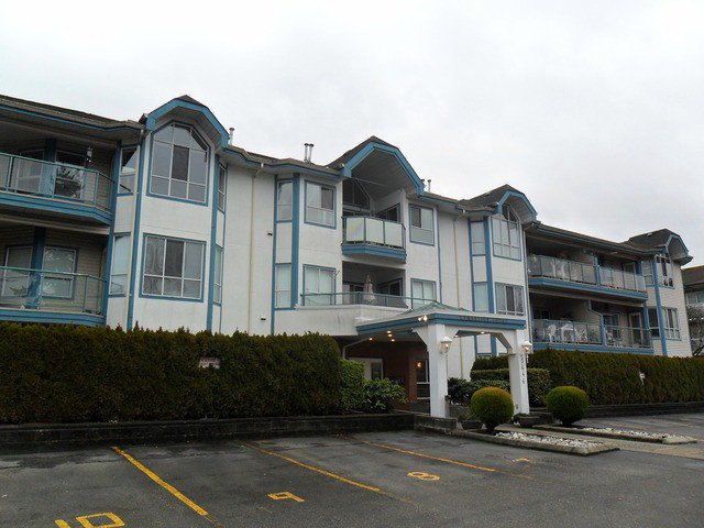 "Main Photo: # 306 5646 200TH ST in Langley: Langley City Condo for sale in ""The Cambridge"" : MLS®# F1400880"
