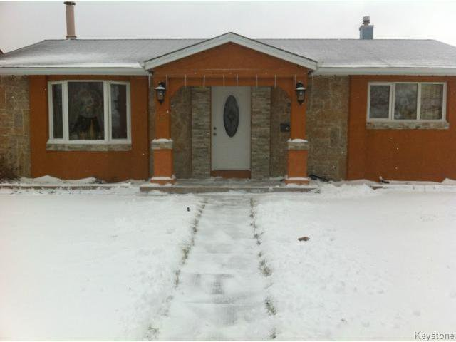 Main Photo: 42 MUSKA Bay in WINNIPEG: Maples / Tyndall Park Residential for sale (North West Winnipeg)  : MLS®# 1405551