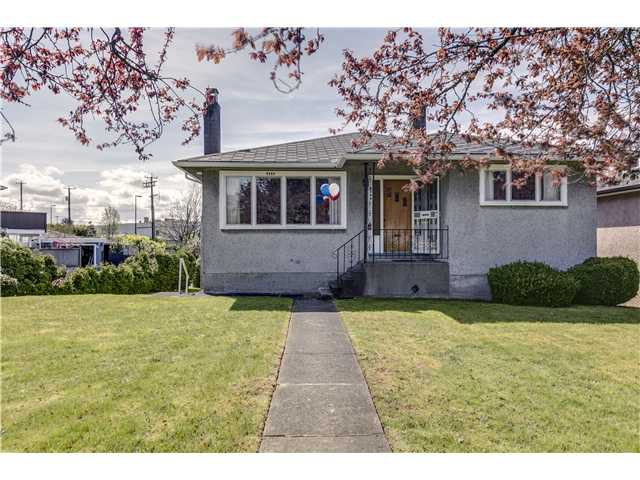 """Main Photo: 4584 BRENTLAWN Drive in Burnaby: Brentwood Park House for sale in """"BRENTWOOD"""" (Burnaby North)  : MLS®# V1058589"""
