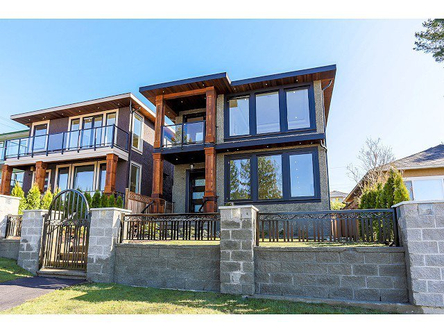 Main Photo: 18 GLYNDE AVE - LISTED BY SUTTON CENTRE REALTY in Burnaby: Capitol Hill BN House for sale or lease (Burnaby North)  : MLS®# V1109152