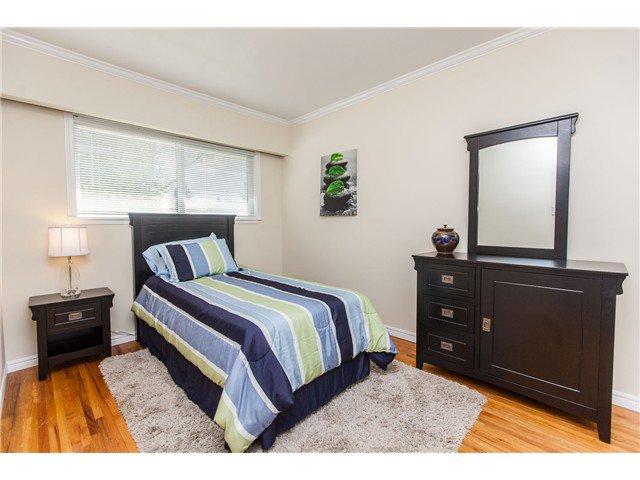 "Photo 10: Photos: 7562 118 Street in Delta: Scottsdale House for sale in ""Scottsdale"" (N. Delta)  : MLS®# F1439645"