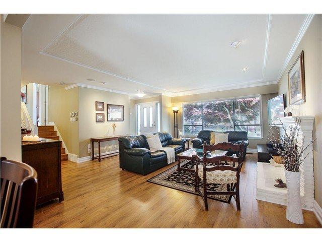 "Photo 3: Photos: 7562 118 Street in Delta: Scottsdale House for sale in ""Scottsdale"" (N. Delta)  : MLS®# F1439645"