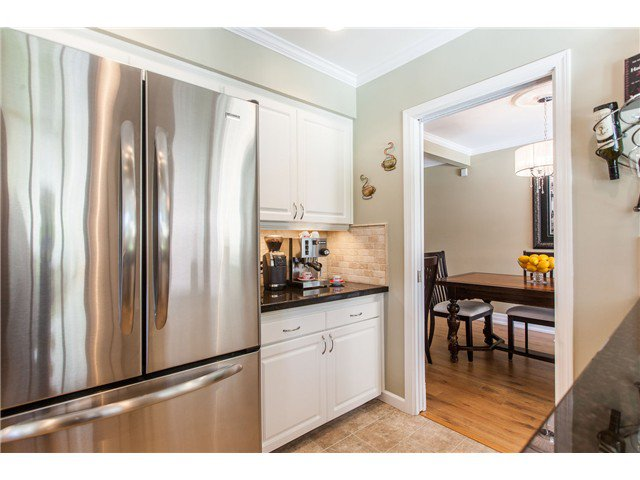 "Photo 8: Photos: 7562 118 Street in Delta: Scottsdale House for sale in ""Scottsdale"" (N. Delta)  : MLS®# F1439645"