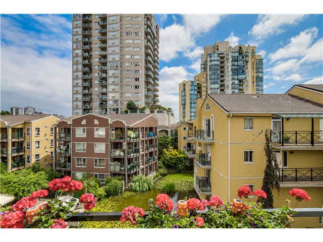 """Main Photo: 406 5 RENAISSANCE Square in New Westminster: Quay Condo for sale in """"The Lido"""" : MLS®# V1135501"""