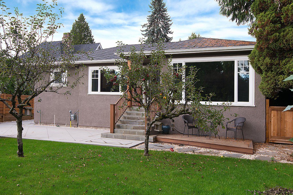Photo 3: Photos: 3867 SW MARINE Drive in Vancouver: Southlands House for sale (Vancouver West)  : MLS®# R2011255