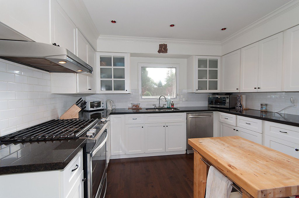 Photo 12: Photos: 3867 SW MARINE Drive in Vancouver: Southlands House for sale (Vancouver West)  : MLS®# R2011255