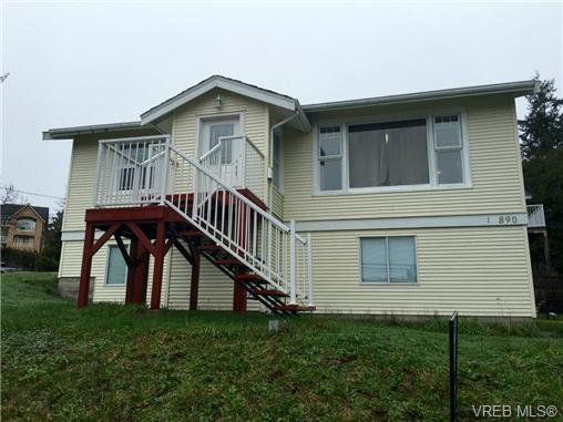Main Photo: 1 890 Admirals Rd in VICTORIA: Es Gorge Vale House for sale (Esquimalt)  : MLS®# 721965