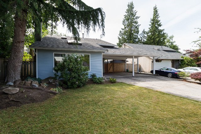 Main Photo: 6475 131A Street in Surrey: West Newton House for sale : MLS®# R2078224