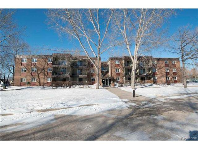 Photo 2: Photos: 460 Kenaston Boulevard in Winnipeg: River Heights Condominium for sale (1D)  : MLS®# 1705140