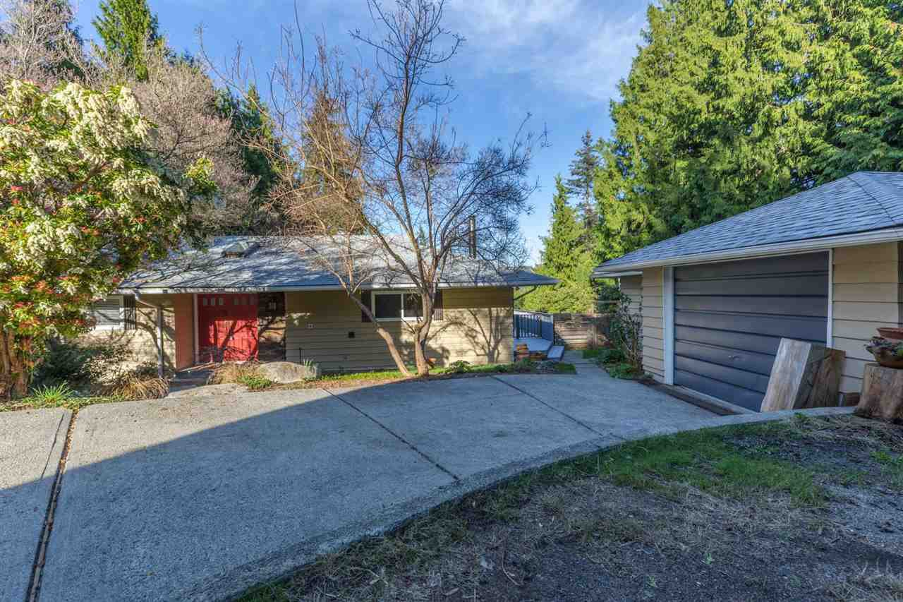 Main Photo: 7728 FAWN Road in Halfmoon Bay: Halfmn Bay Secret Cv Redroofs House for sale (Sunshine Coast)  : MLS®# R2155687