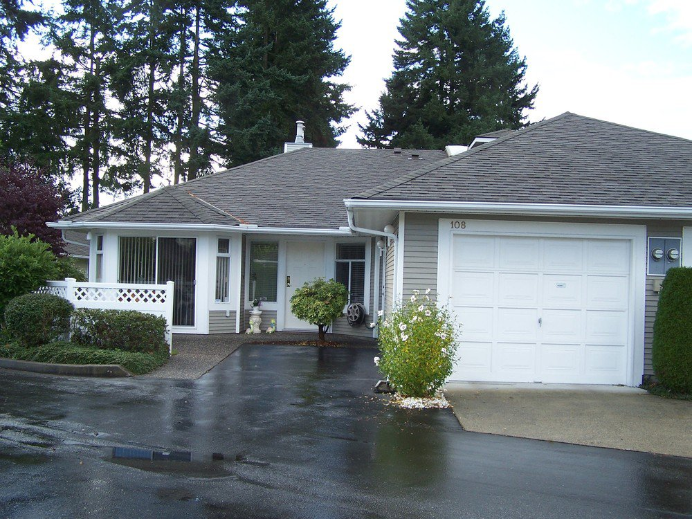 Main Photo: 108 2460 156TH Street in South Surrey White Rock: Home for sale : MLS®# F1125474