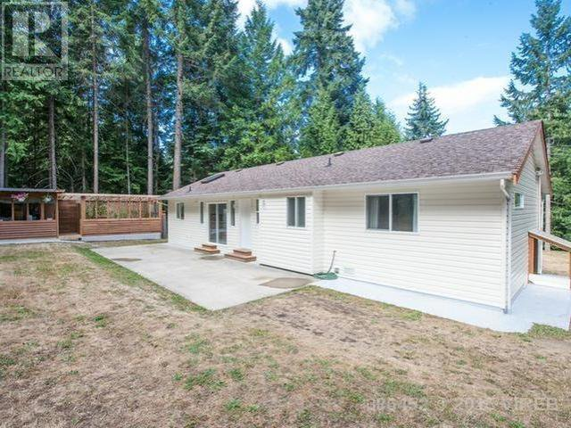 Main Photo: 4879 Prospect Drive in Ladysmith: House for sale : MLS®# 386452