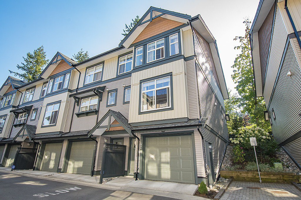 "Main Photo: 42 6123 138 Street in Surrey: Sullivan Station Townhouse for sale in ""PANORAMA WOODS"" : MLS®# R2200861"