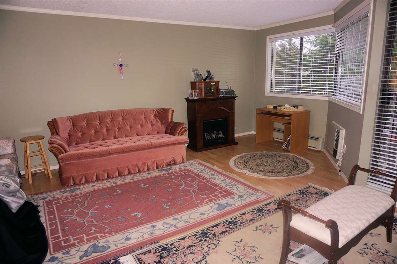 "Photo 3: Photos: 207 31955 OLD YALE Road in Abbotsford: Abbotsford West Condo for sale in ""EVERGREEN VILLAGE"" : MLS®# R2217051"